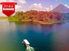 Costa Rica ciudad y volcán